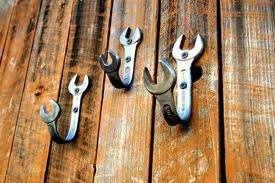 appoggia abiti con chiavi
