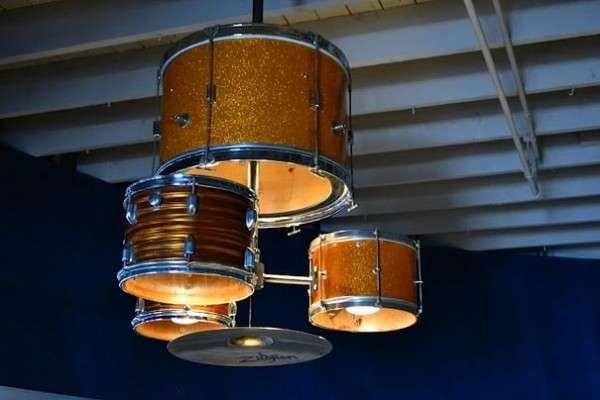 batteria utilizzata come lampadario