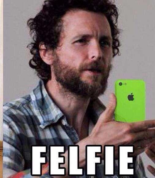 Jovanotti Selfies con scritta Felfie