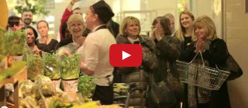 spirito italiano in un supermercato londinese