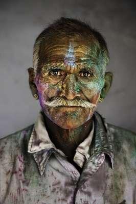 Il viaggio della vita di un Uomo disegnato nel volto