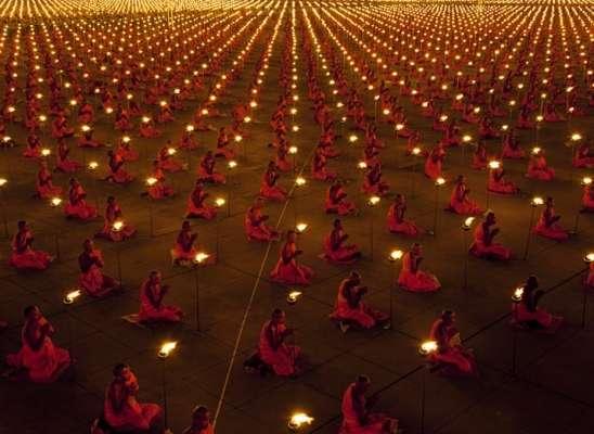 Più di 100.000 monaci a pregare per un mondo migliore