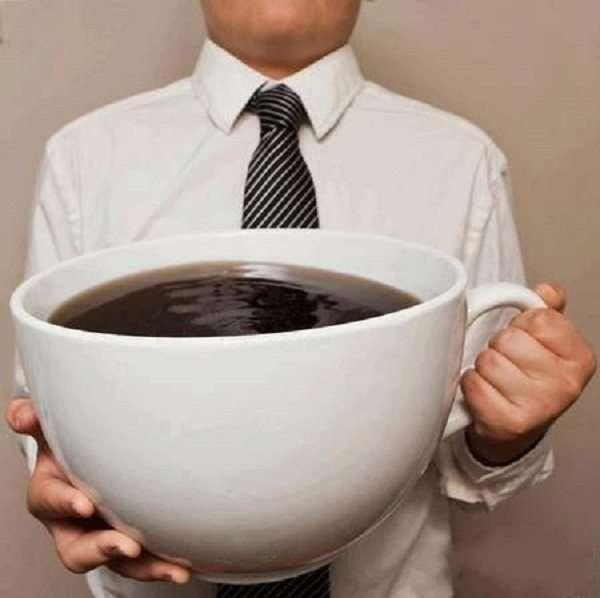 Un caffè enorme per affrontare la giornata