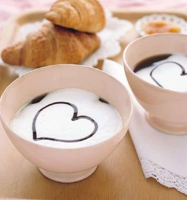 Colazione d amore il cuore nel cappuccino for Foto immagini buongiorno