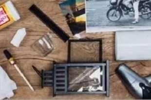 fotografie su legno e oggetti