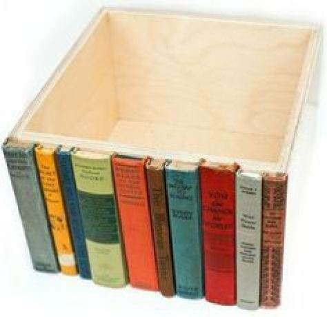 Cassetto nascosto da libri