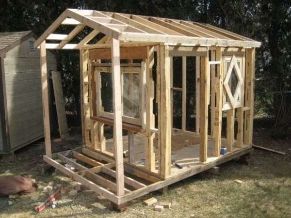 Idee fai da te con il legno 35 foto progetti - Costruire casa di legno ...