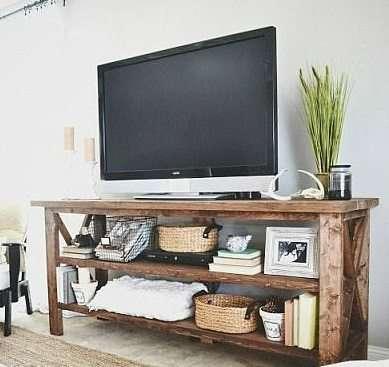Idee fai da te con il legno 35 foto progetti - Costruire mobile per televisione ...