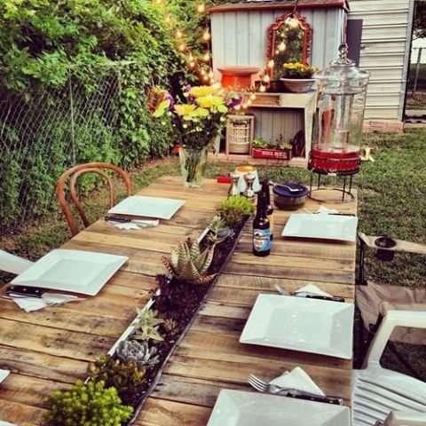 Idee fai da te con il legno 35 foto progetti - Costruire un tavolo in legno per esterno ...