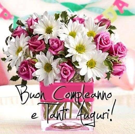 tanti auguri cagnaccio Buon-compleanno-mazzo-di-fiori