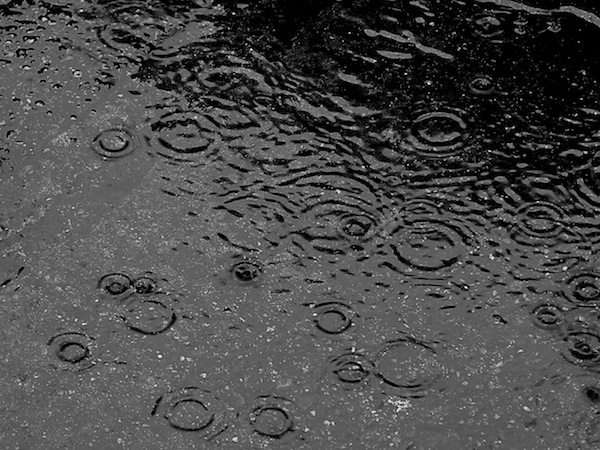 pioggia e pozza